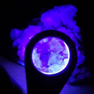 Ultraviolet LED Triplet Hand Lens viewing fluorite with UV LED lights