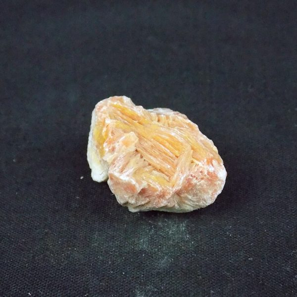 Baryte in Large Mag Box outside of the box